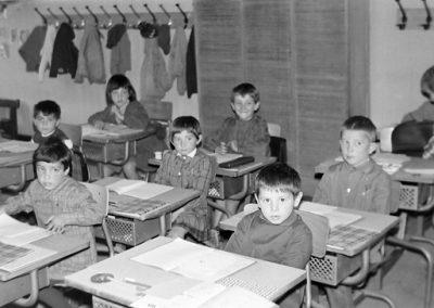 Classe Bessans, au fond Michèle Roux et Pascal Bison photo Peter Guggenbühl 1967