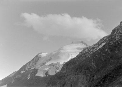 En montant à Tierce glacier de Charbonnel photo Peter Guggenbühl 1967