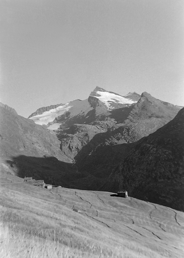 La Mottuaz et pointe d'Arbéron photo Peter Guggenbühl 1967